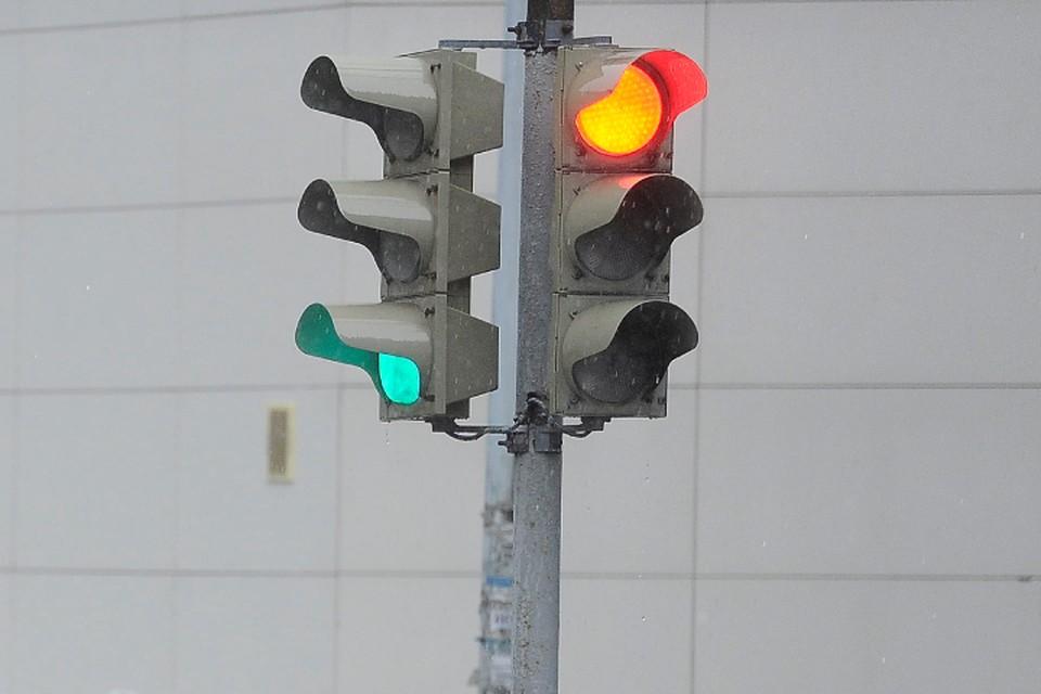 Помимо починки старых, в Кирове до конца года также установят 20 новых светофоров.