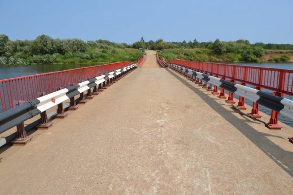 Наплавной мост рассчитан на проезд автомобилей, чья масса не превышает 3,5 тонн. Фото: k4gorod.ru