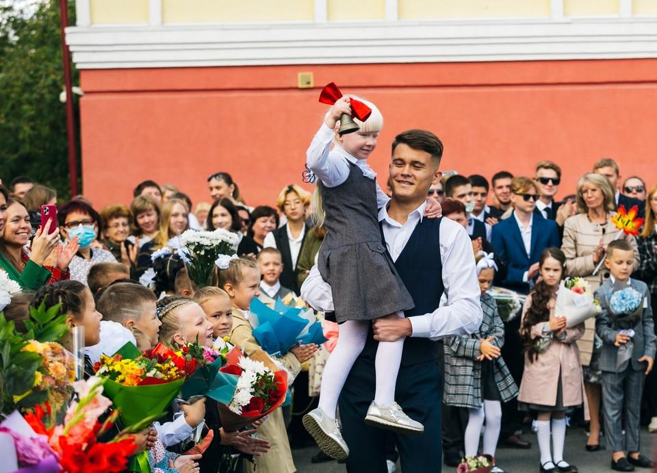 """В День знаний за парты """"Роснефть-классов"""" сели 46 учеников"""