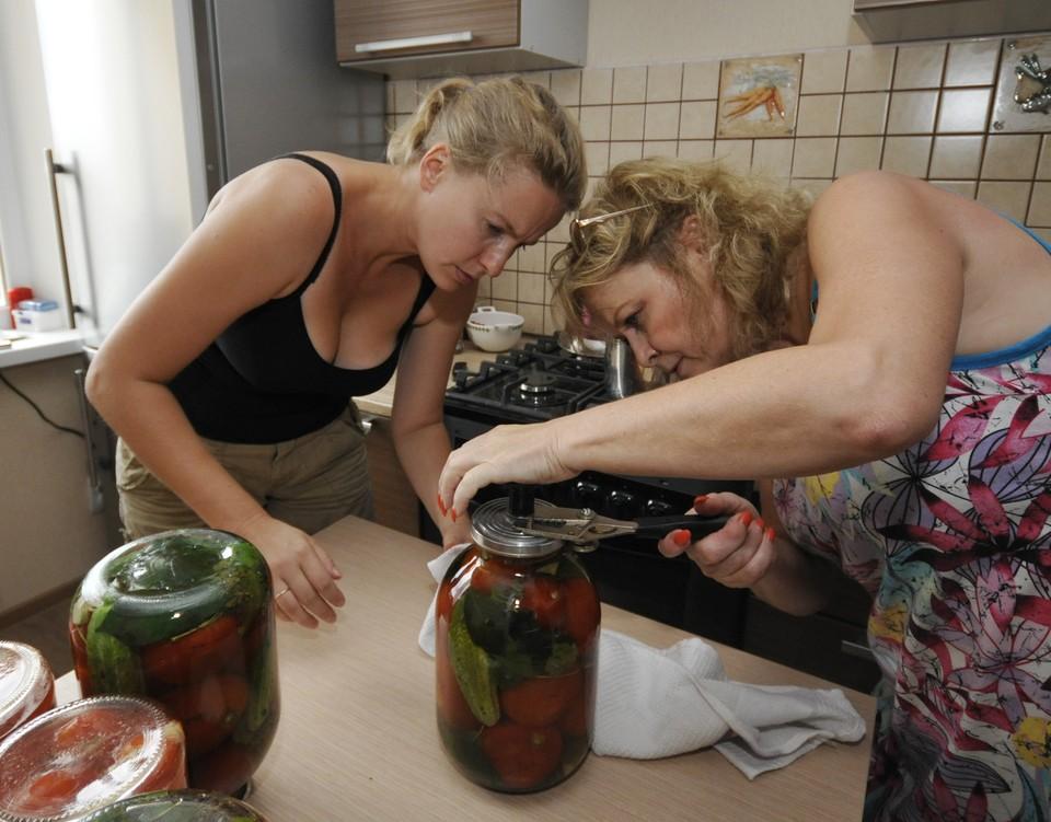 Соления теперь можно хранить только в домашних кладовых.