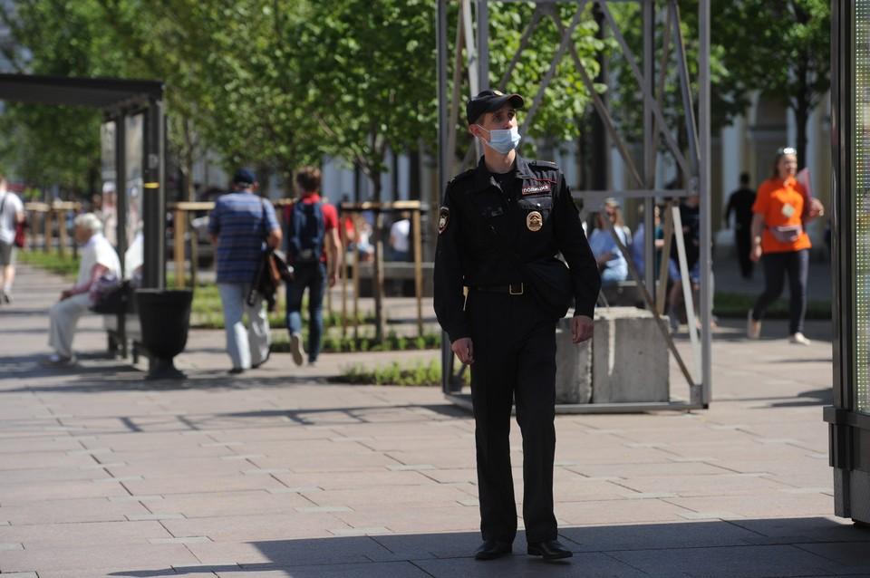 Полиция провела профилактический рейд по этническим кафе Петербурга