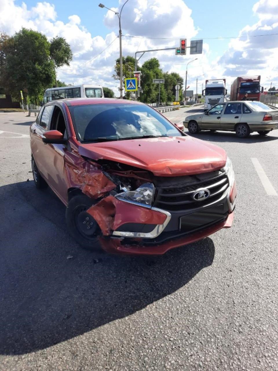 Машины после аварии.