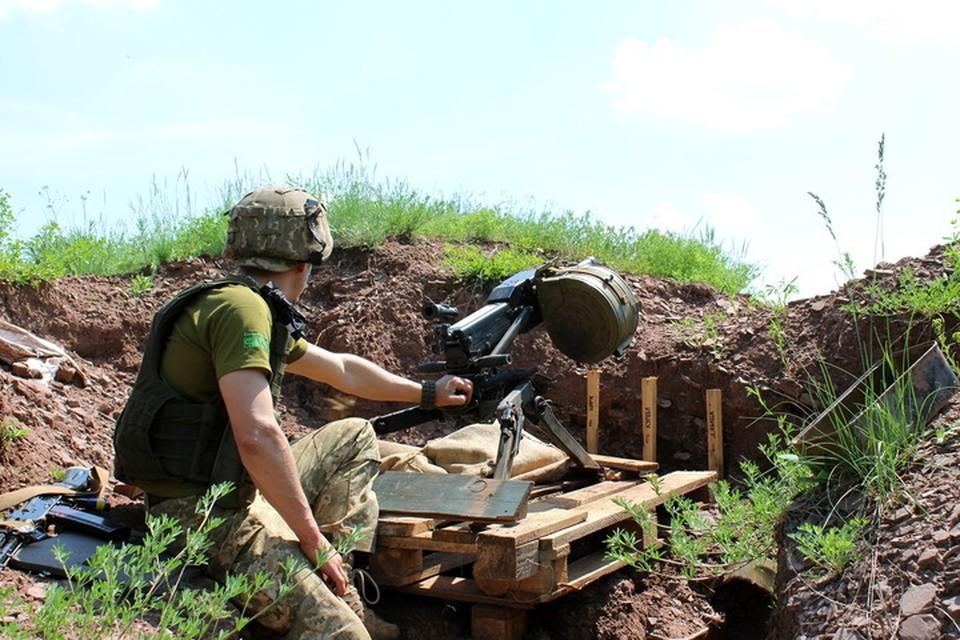 По Гольмовскому украинские военные стреляли из автоматического гранатомета. Фото: Пресс-центр штаба «ООС»