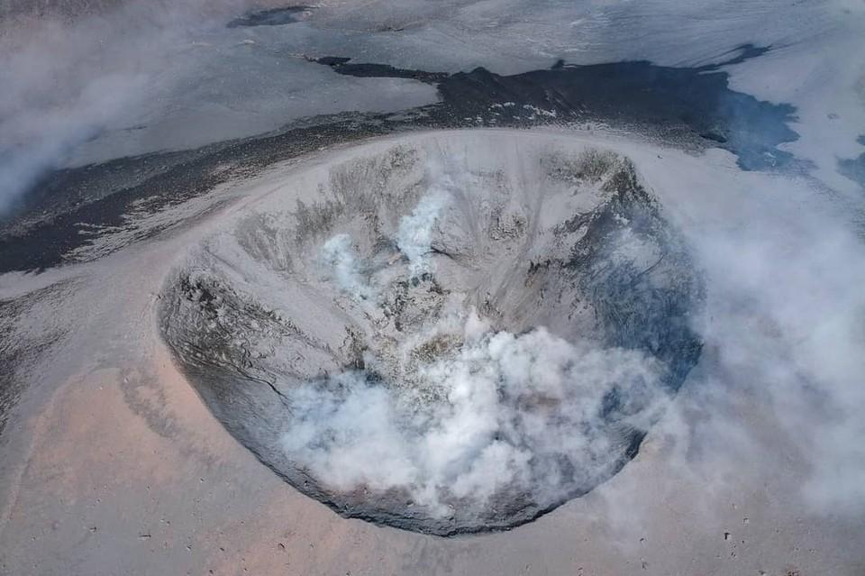 Обломки разлетелись в радиусе 1,8 км и задели вулкан Неожиданный. Фото: Instagram-аккаунт @the_north_kurils