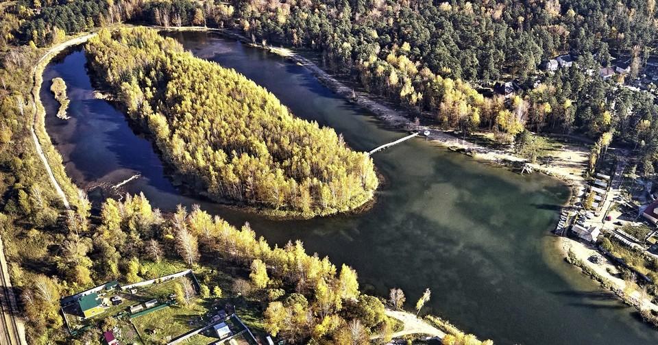 Незаконно установленные объекты на озере Ключевое в Смоленске демонтируют. Фото: пресс-служба администрации города Смоленска.