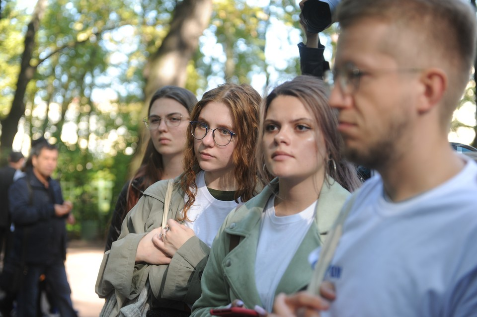 Более полутора тысяч подростков помогали летом в благоустройстве и озеленении Петербурга