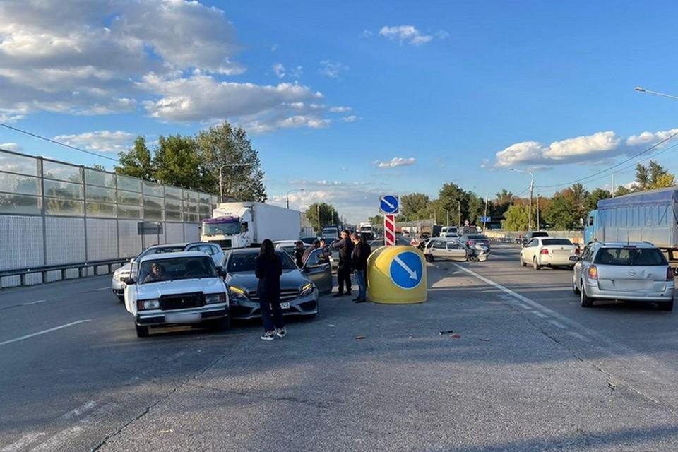 Столкнулись сразу четыре авто. Фото: отдел пропаганды УГИБДД