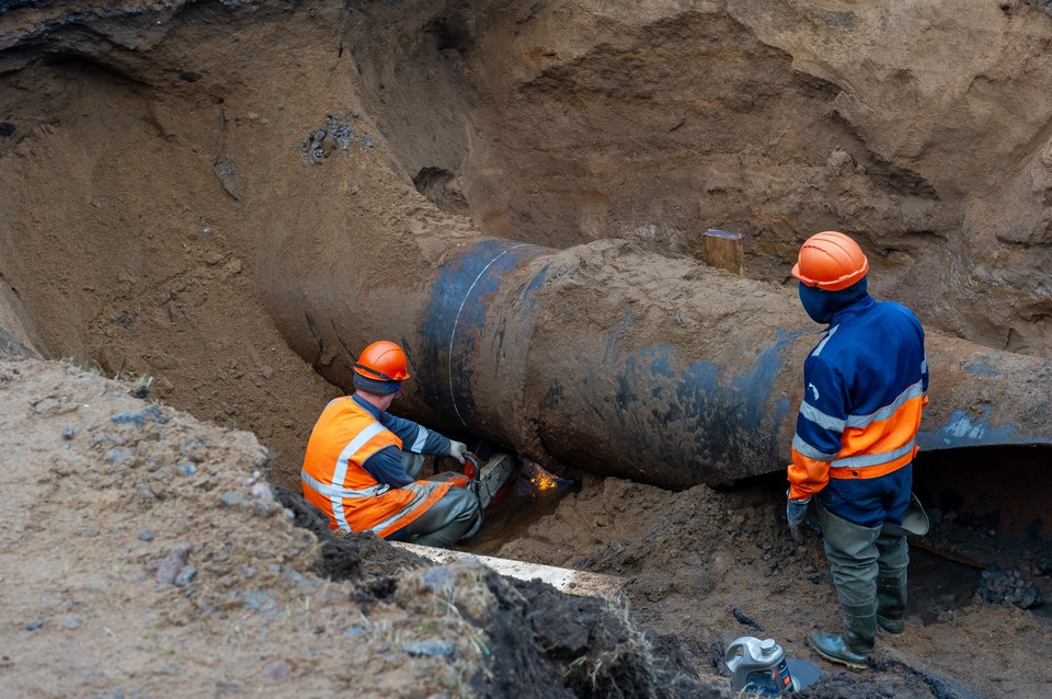 На ремонт водопроводной сети на Смольной набережной в Петербурге выделили 183 млн рублей