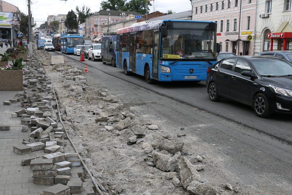 Многокилометровые пробки захватили центр Тулы утром 8 сентября