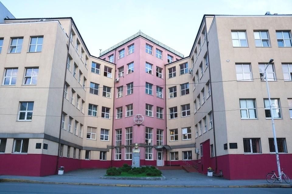 Калининградская областная клиническая больница стала первым учреждением, понесшим потери.