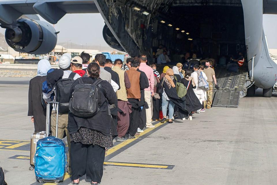 Власти обещают переселенцам поддержку, но не хотят, чтобы они объединялись