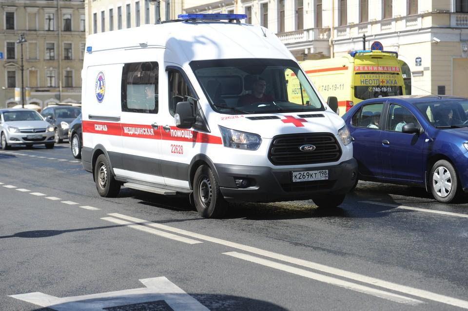 16-летняя девочка попала в больницу Петербурга с самопроизвольным абортом