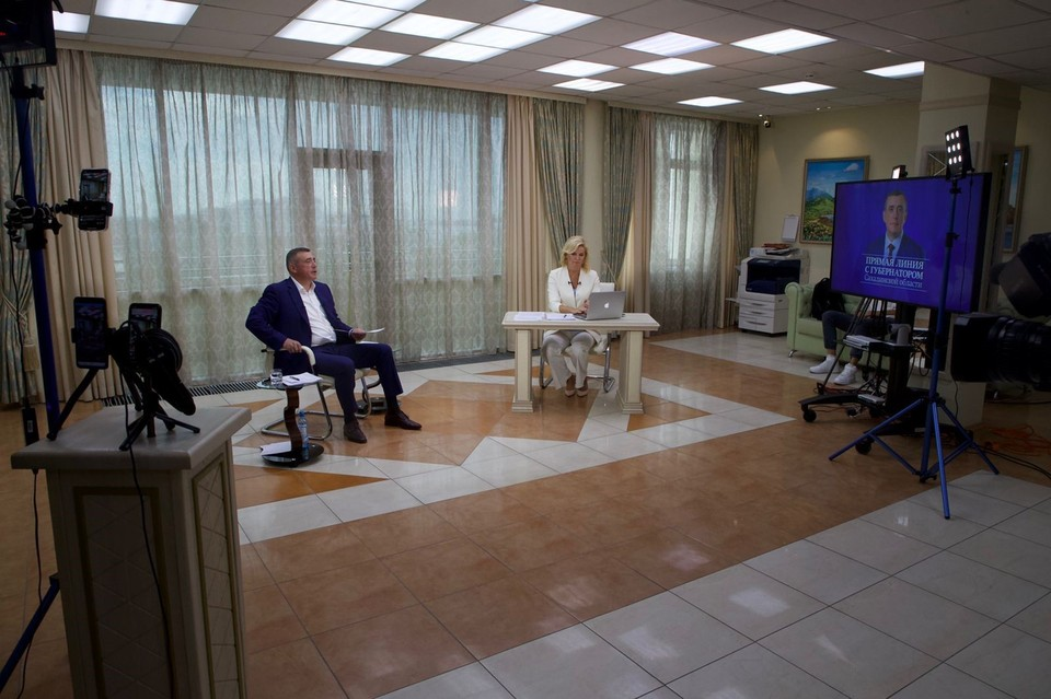 Во время прямой линии Валерий Лимаренко рассказал о возведении образовательных объектов