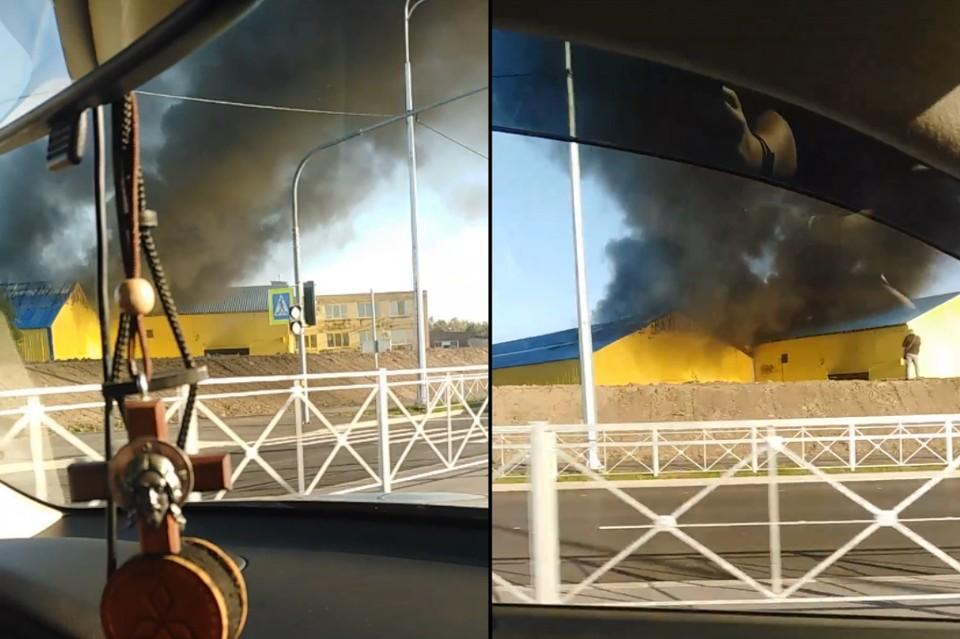 На юго-западе Петербурга загорелся ангар. Фото: vk.com/spb_today