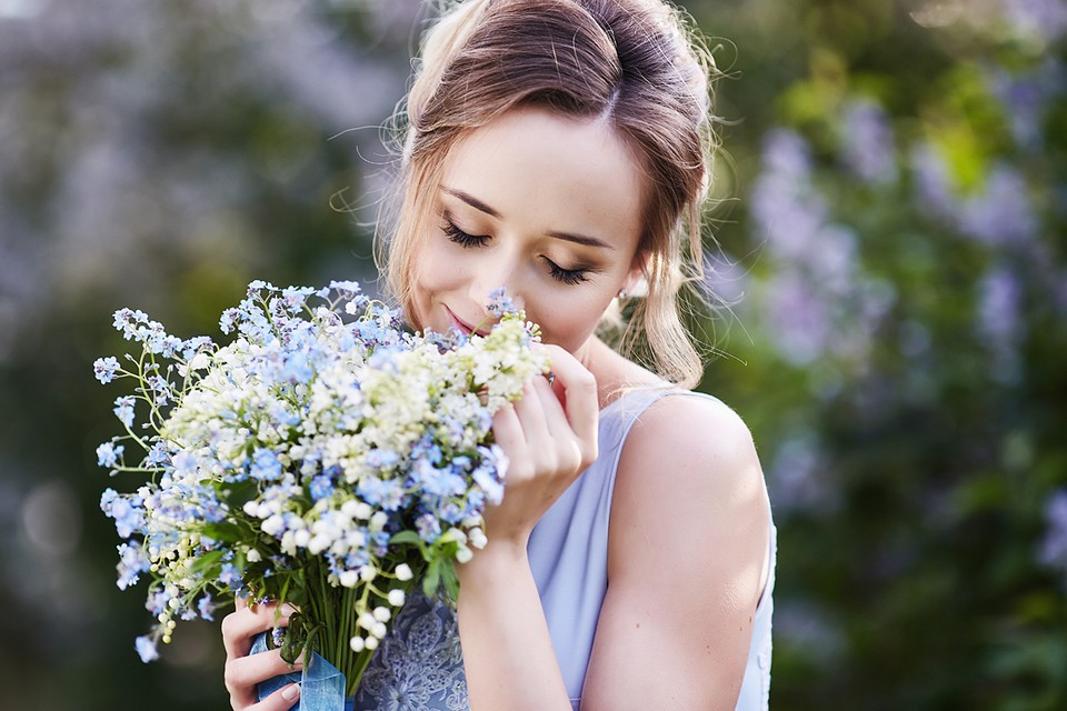 Популярный в России цветок, воспетый в песнях, полностью ядовит!