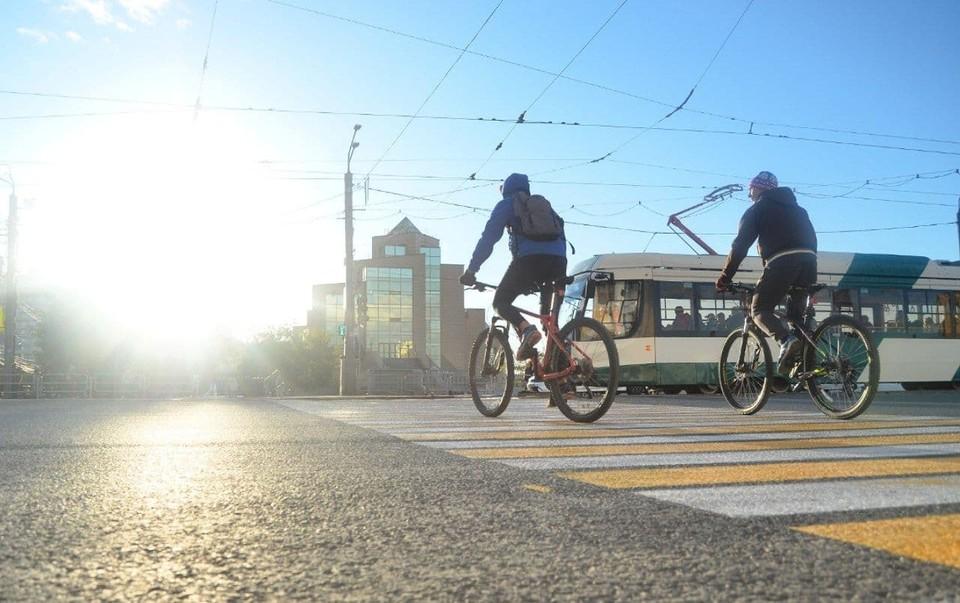 Велосипедисты так обрадовались переходу, что забыли спешиться
