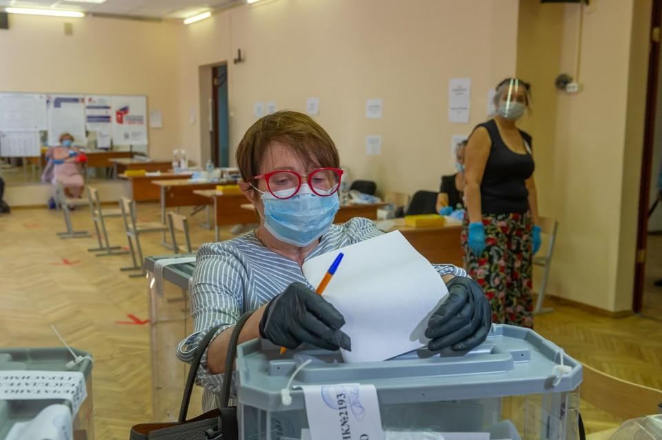 Городские избирательные комиссии специально к началу выборов закупят маски, перчатки и одноразовые ручки.