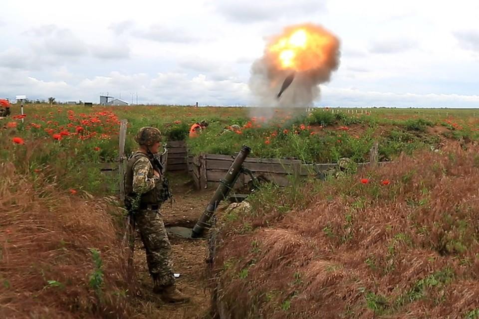 По Васильевке украинские военные нанесли четыре мощных минометных удара. Фото: Пресс-центр штаба «ООС»