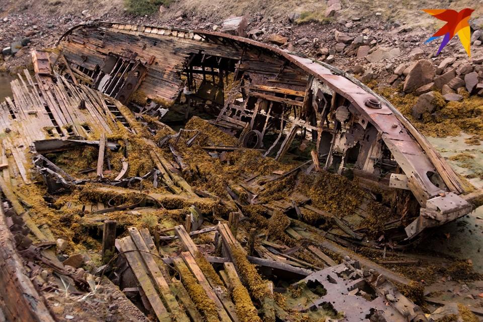 Новостное агентство Испании Sputnik Mundo в своем Instagram опубликовало ролик о кладбище кораблей в Териберке.