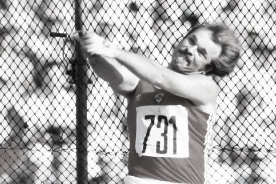 Седых из-за волокиты не смог поехать на две олимпиады. В 90-е он с супругой переехал во Францию. Фото: страница Сергея Бубки в Твиттере