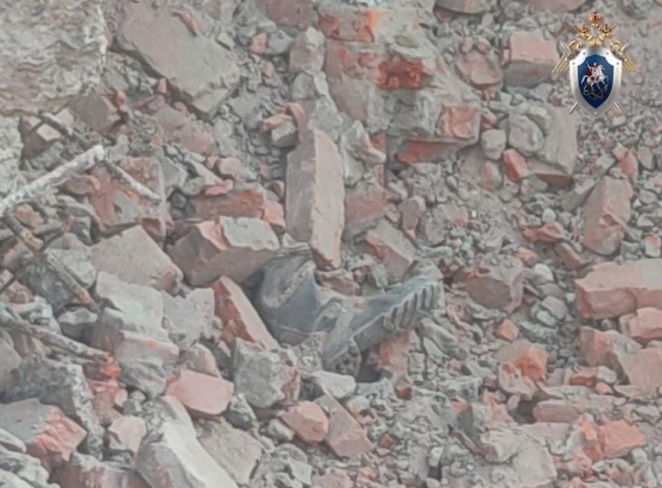 Обрушение здания завода произошло при ведении демонтажных работ.