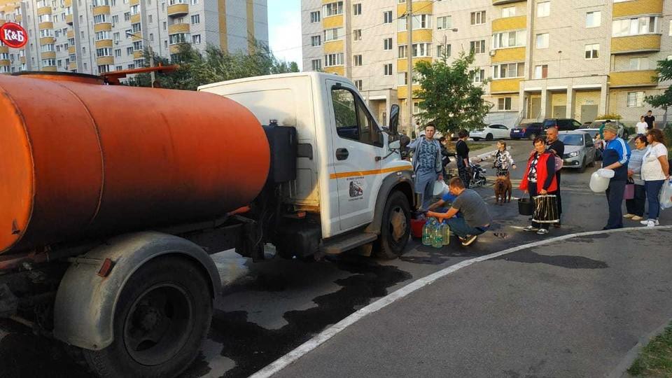 Бочка с технической водой на Урывского, 17в.