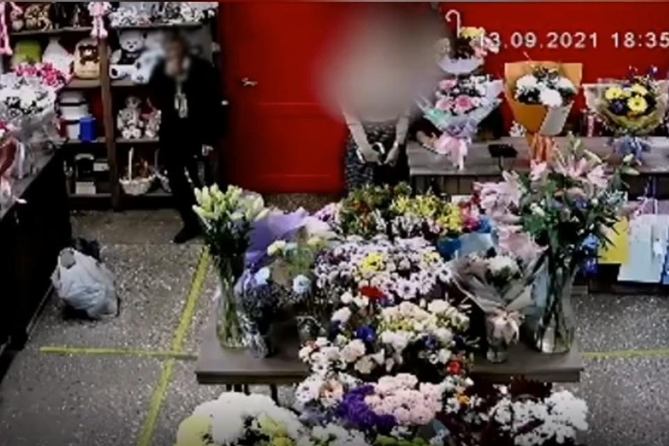 Видео инцидента попало в соцсети. Фото: vk.com/overhear_vkamenske