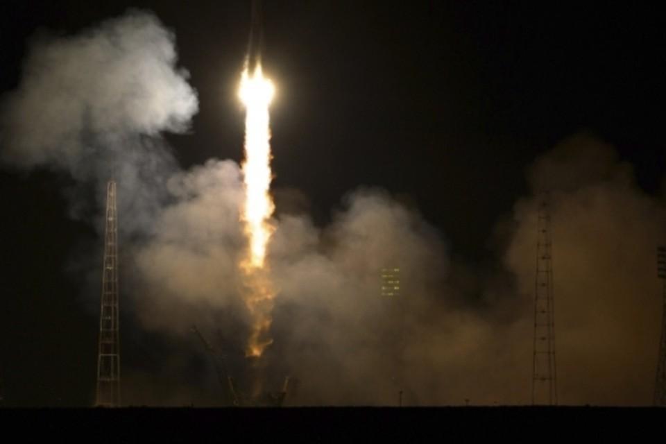 """Ракета-носитель """"Союз-2.1б"""" стартовала с космодрома Байконур"""