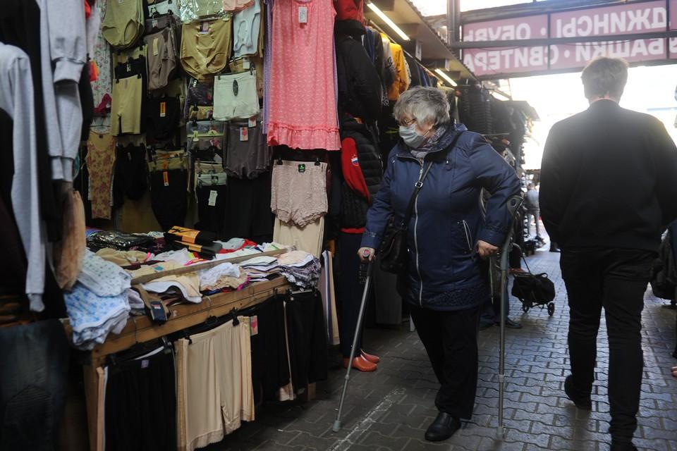 Пустующий Невский рынок могут снести для строительства моста через Неву