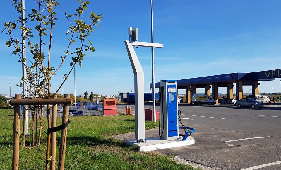 Всего в регионе насчитывается порядка 25 зарядных станций и 100 электромобилей.