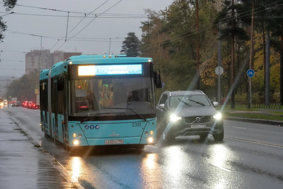 В Петербурге увеличат количество автобусов на самых востребованных маршрутах.