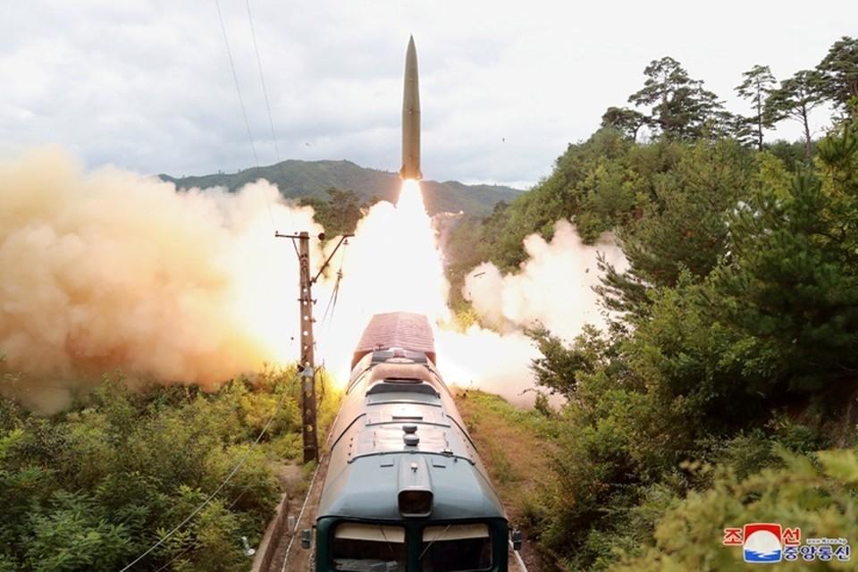 КНДР объявила об испытании железнодорожного ракетного комплекса