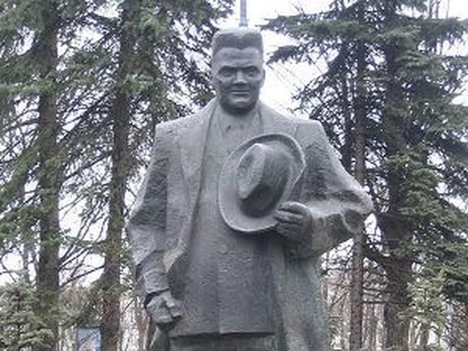 Памятник Карлису Ульманису в Риге