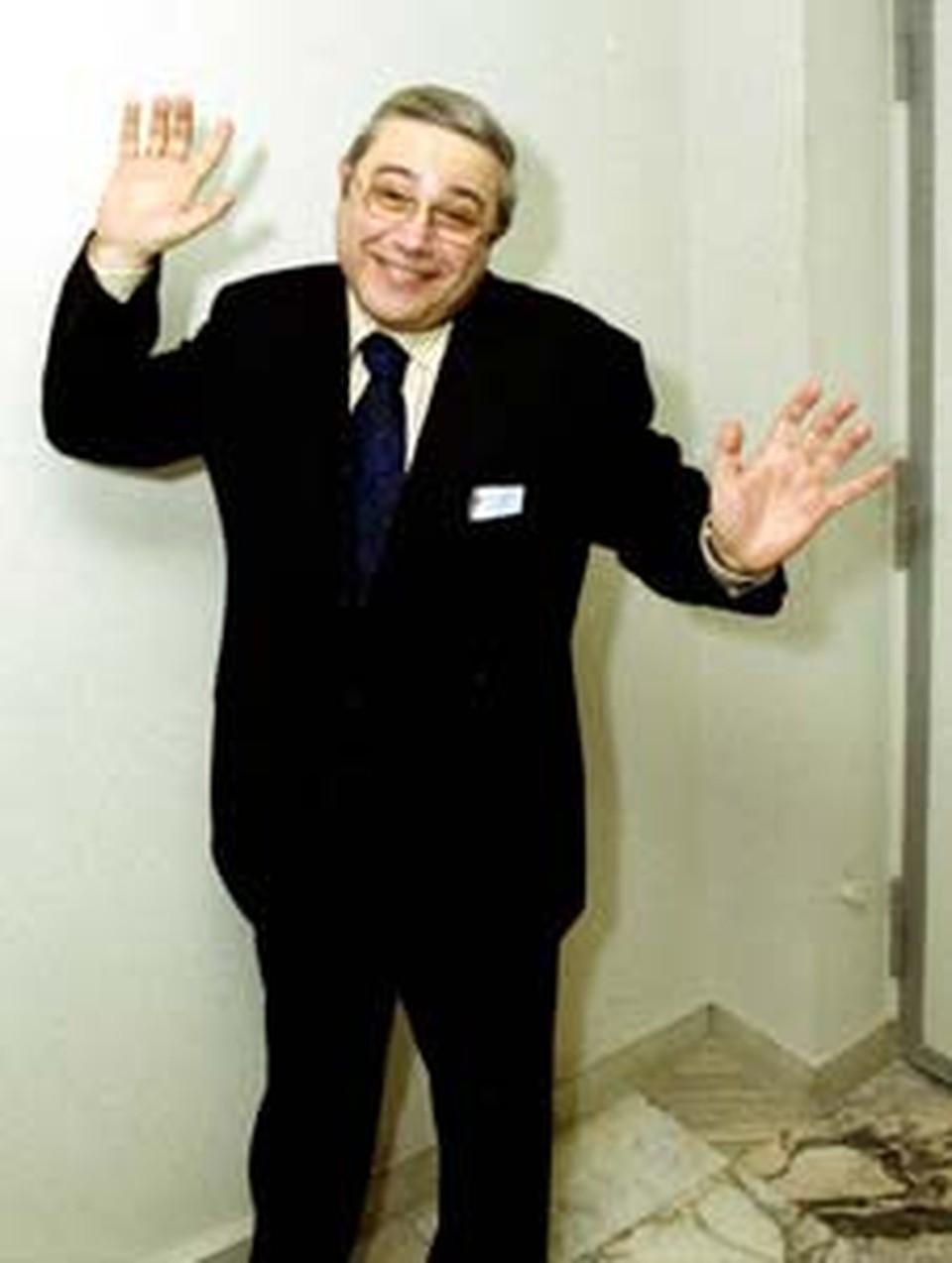 Евгений Петросян: - Какие шутки к моим рукам прилипли?