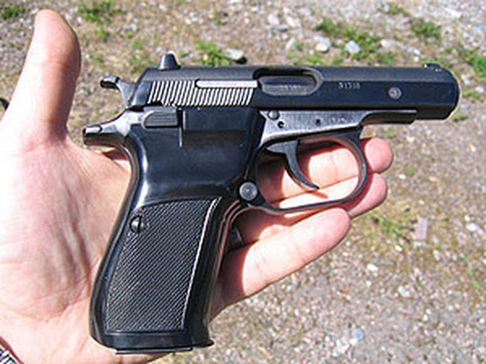 Милиционер застрелился из-за конфликтов с женой