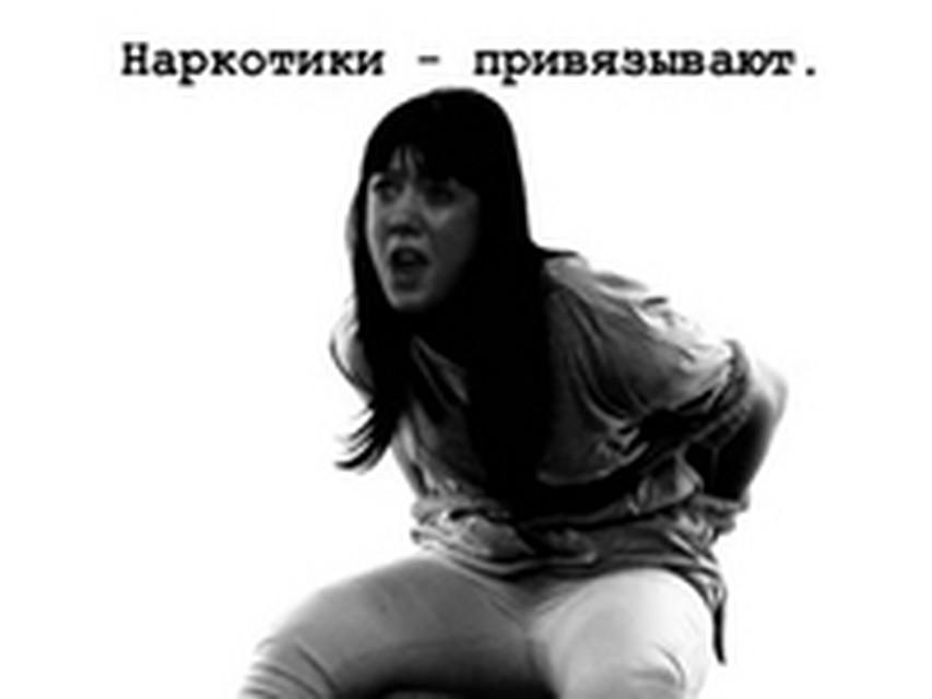 sado-roliki-zhestko-rad-muzhikami-pornuha-neskolko-muzhikov-i-odna-devushka