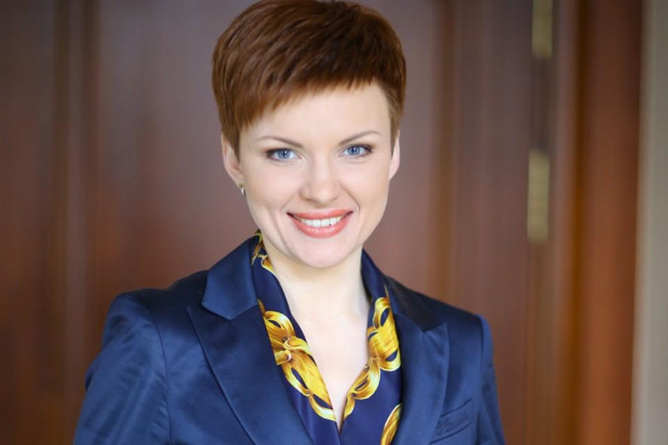 Екатерина Тишкевич разбавила на ОНТ общество длинноволосых блондинок и брюнеток.