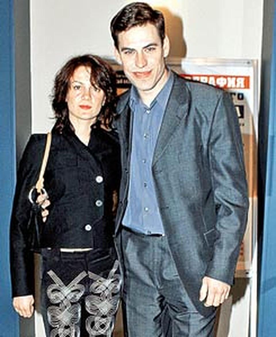 Наталья и Дмитрий играли любовь на сцене и, похоже, увлеклись игрой всерьез.