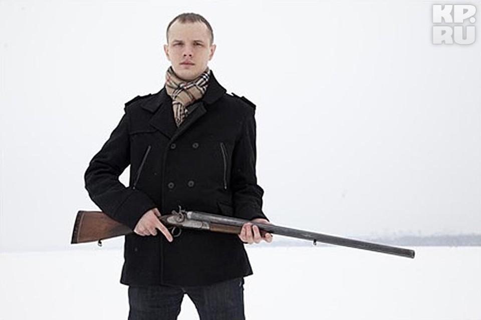 Василий Федорович никогда не стеснялся позировать с оружием. Но мало кто подозревал, что  Известный юрист может применять его против людей.