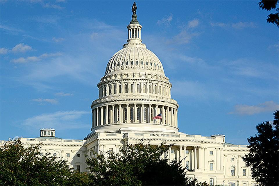 Петицию с просьбой внести в «список Магнитского» 420 депутатов Госдумы подписали в США 25 тысяч человек