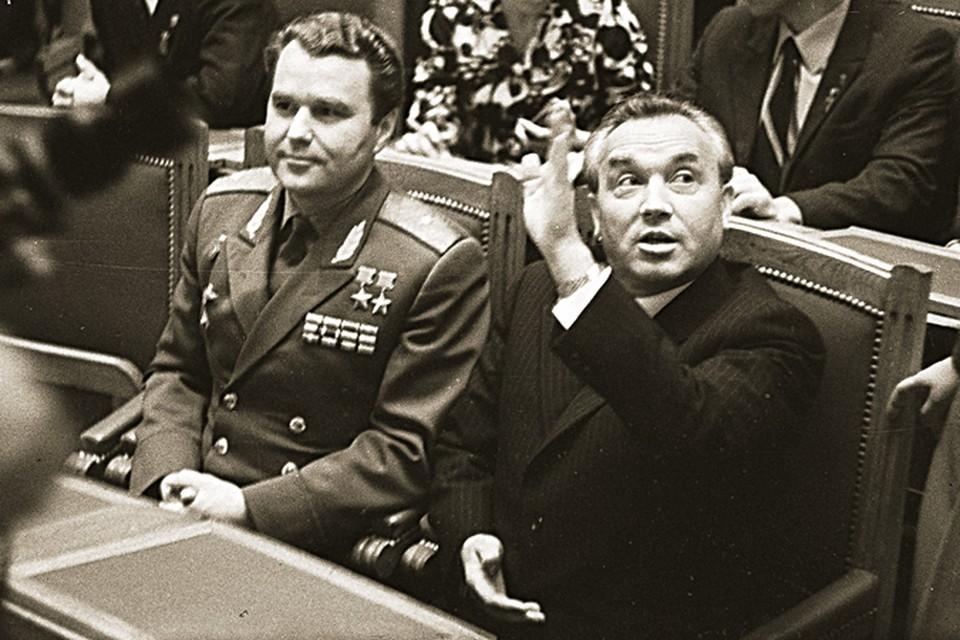 Григория Васильевича (справа) уважали, однако очень сильно боялись.