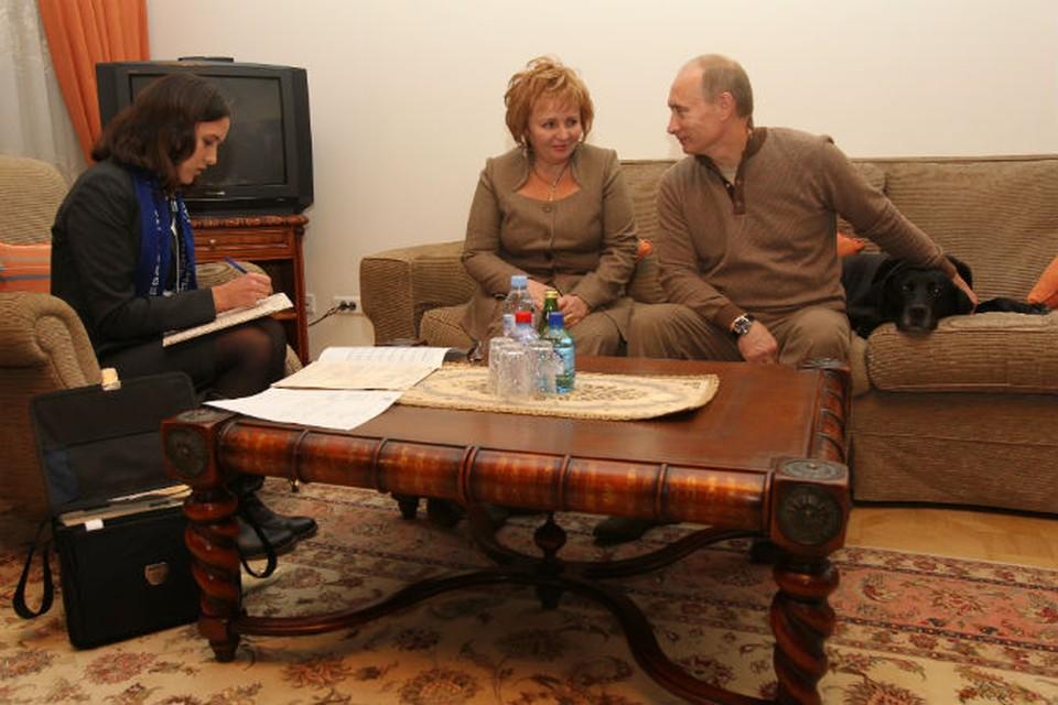 Владимир и Людмила Путины во время Всероссийской переписи населения, 2010 год.