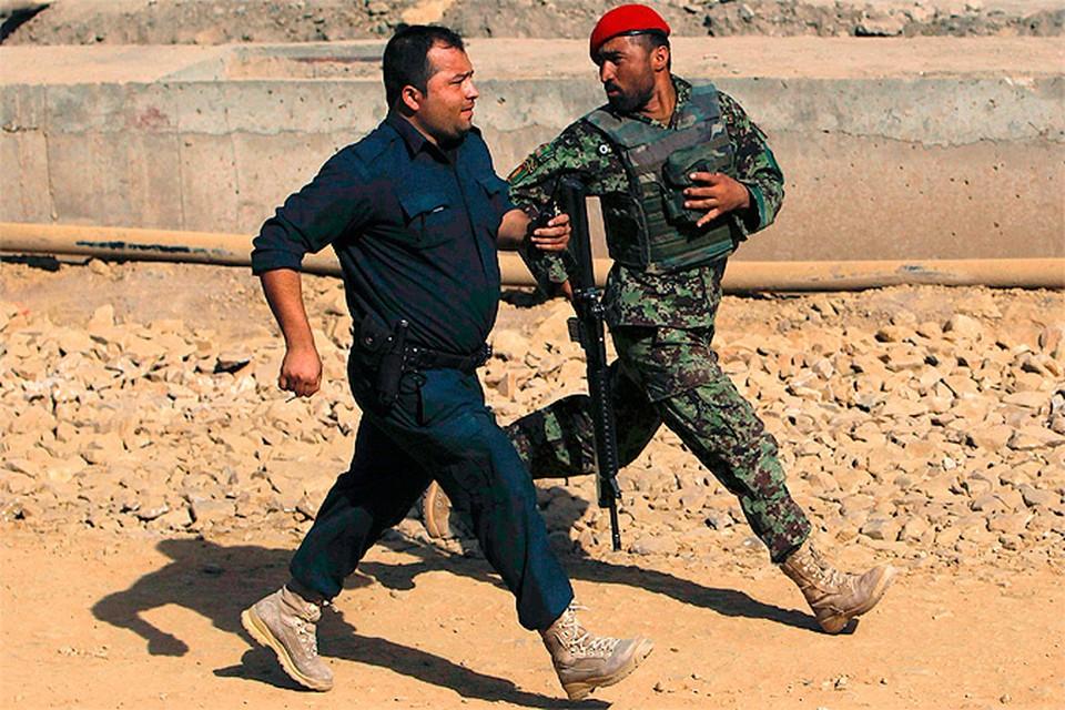 Афганские дипломаты дезертируют в массовом порядке
