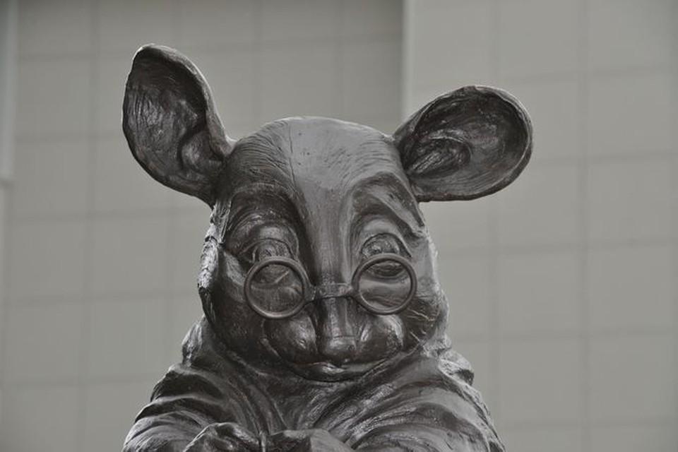 """""""наша мышь умиротворенная, спокойная, ученая мышь, с легким удивлением на лице, говорящем о том, что она открыта миру, изменениям, будущему…"""""""