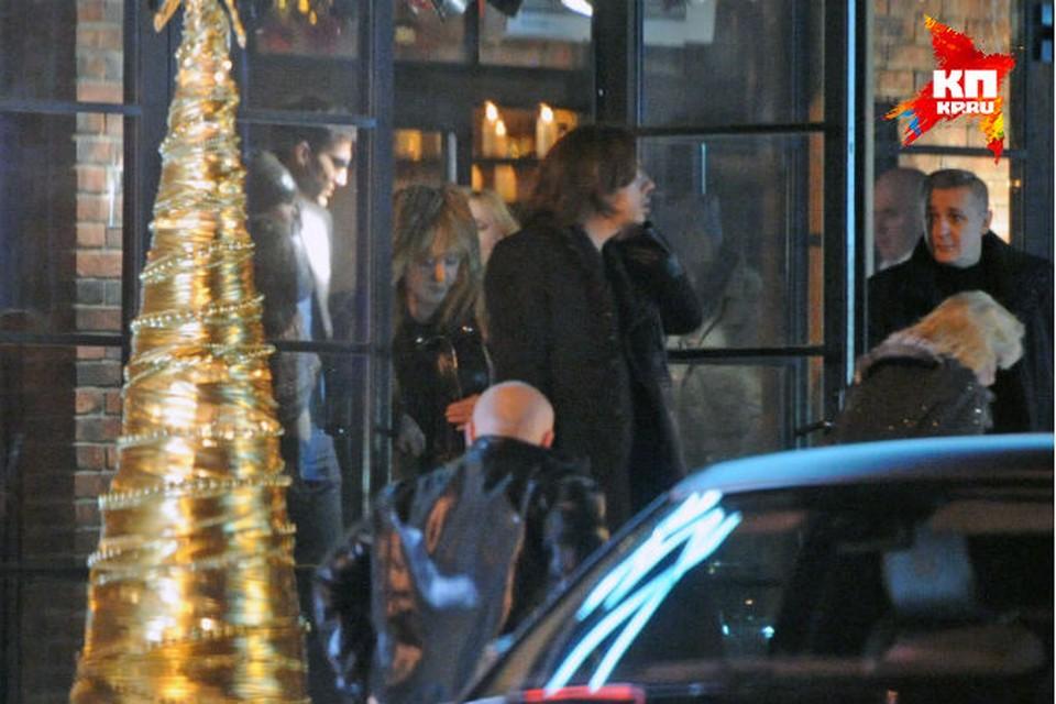 Почетным гостем празднества стала бывшая жена певца, примадонна российской эстрады Алла Пугачева с мужем  - телеведущим, актером и юмористом Максимом Галкиным.