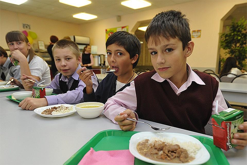 Есть генную пищу из ГМО заставят в первую очередь школьников и пациентов больниц