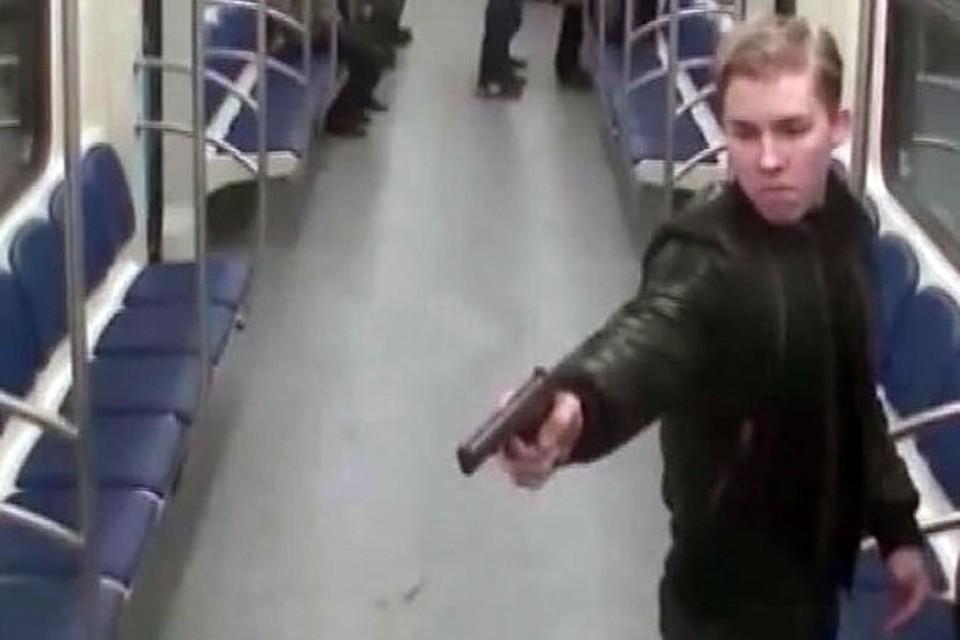 Москвич, которого задержали за стрельбу в метро, находился в федеральном розыске 14 лет