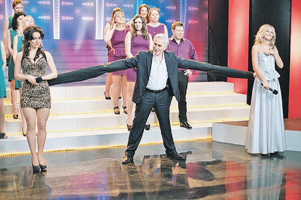 Особенности конкретной творческой единицы в этом шоу приобретают наглядность: это, например, «Валерий Меладзе».