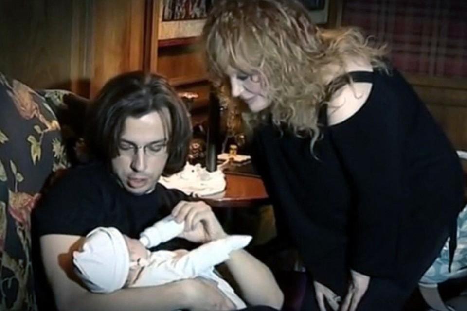 Самые известные звездные дети - Гарри и Лиза Галкины растут, как говорится, не по дням, а по часам