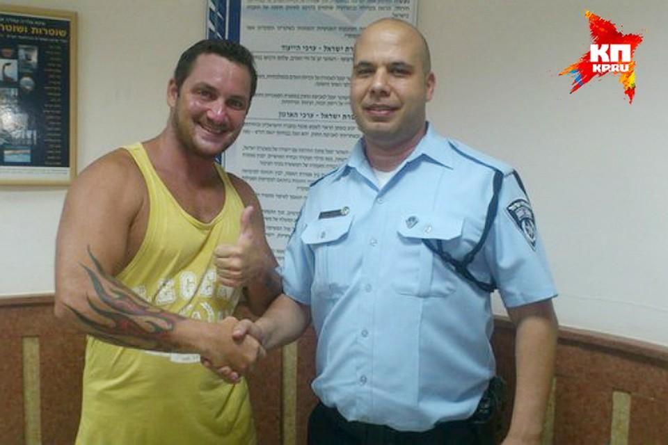 Александра наградили в местной полиции Фото: из личного архива
